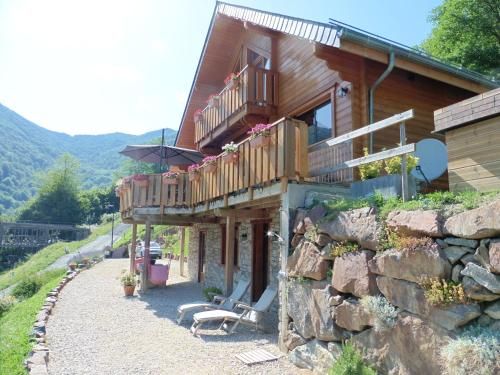 Chalet de Barraou : Bed and Breakfast near Izaourt