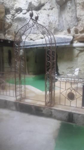 Demeure de la Vignole: Appartement des Anges Troglodytique : Apartment near Montsoreau
