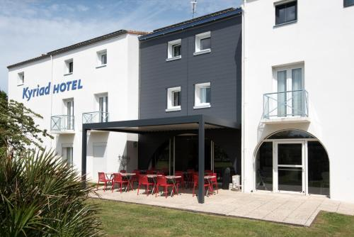 Hôtel Kyriad La Rochelle Centre Ville : Hotel near Bourgneuf