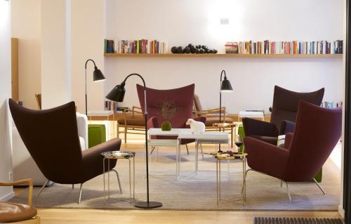 9Hotel Republique : Hotel near Paris 10e Arrondissement