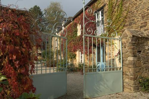 Au Pontmevault : Bed and Breakfast near Châteauneuf-d'Ille-et-Vilaine