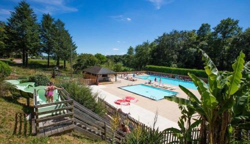 Chaletrent - Champs-Romain : Guest accommodation near Dournazac