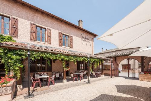 Logis Hotel Le Relais Des Dix Crus : Hotel near Taponas