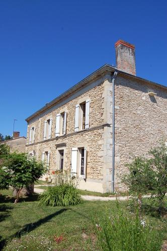 La Camiranaise : Guest accommodation near Saint-Martin-de-Lerm