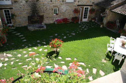 Chambres D'hôtes Lou Jassou : Bed and Breakfast near Saint-Jean-du-Bruel