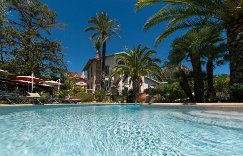 Hôtel de Charme Villa Roseraie : Hotel near Coursegoules