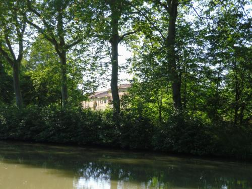 Le Roc : Guest accommodation near Molleville