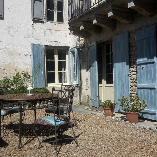 Chez Tuffin : Bed and Breakfast near Juillaguet