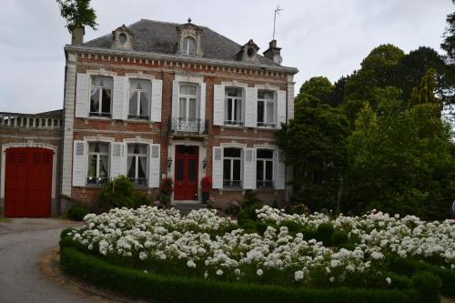 Le Manoir de Bonningues les Ardres : Bed and Breakfast near Journy