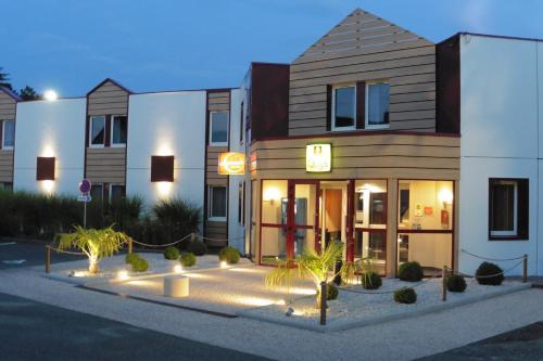Logis Hôtel Astréa : Hotel near Germigny-sur-Loire