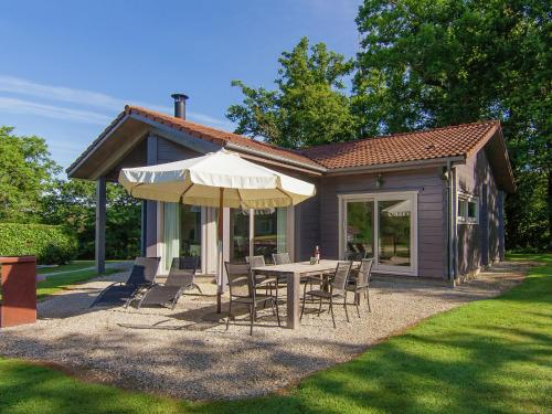 Villa Des Chapelles : Guest accommodation near Saint-Laurent-sur-Gorre