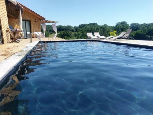 Duc : Guest accommodation near Lusignan-Petit