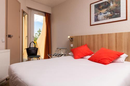 Hôtel St-Ouen-L'Aumône les Caravelles (ex. balladins) : Hotel near Boisemont