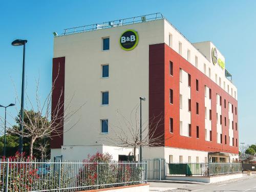 B&B Hôtel Toulouse Purpan Zénith : Hotel near La Salvetat-Saint-Gilles