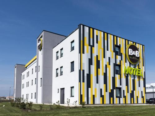 B&B Hôtel Niort Marais Poitevin : Hotel near Saint-Maixent-l'École