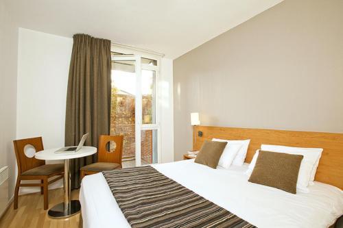 Séjours & Affaires Paris Ivry : Guest accommodation near Maisons-Alfort