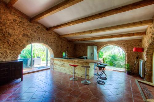 La bergerie du chateau de Fitou : Guest accommodation near Feuilla