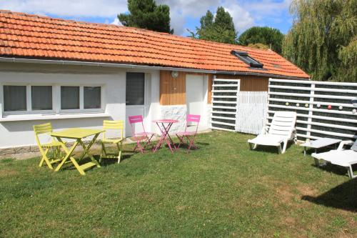 La Maison du Saule : Apartment near Sallebœuf
