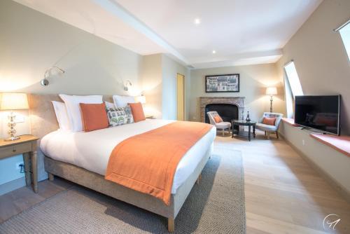 Les Suites du 33 : Guest accommodation near Mancy