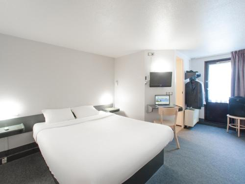 B&B Hôtel Chalon Sur Saone Nord : Hotel near Toutenant