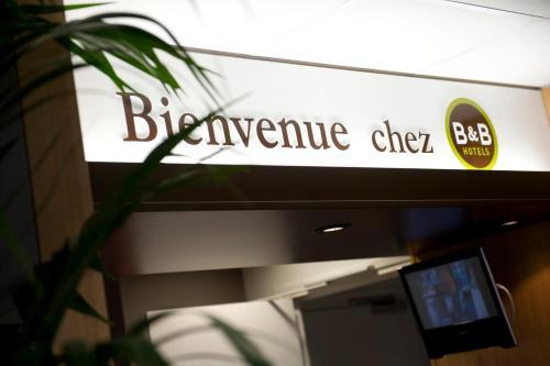 B&B Hôtel Saint-Etienne La Terrasse : Hotel near La Tour-en-Jarez
