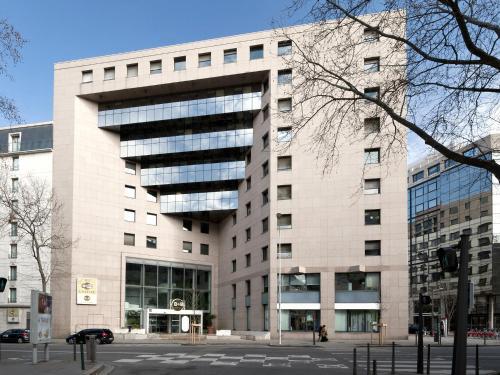 B&B Hôtel LYON Centre Part-dieu Gambetta : Hotel near Lyon 8e Arrondissement
