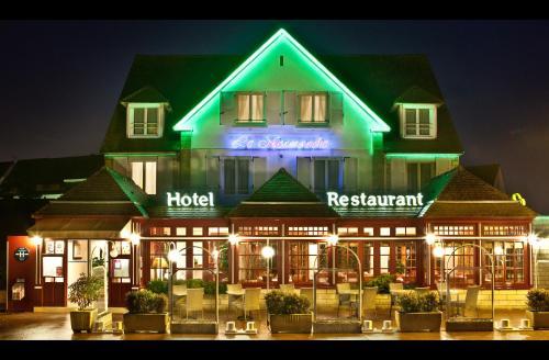 Hôtel-Restaurant Le Normandie : Hotel near Sallenelles