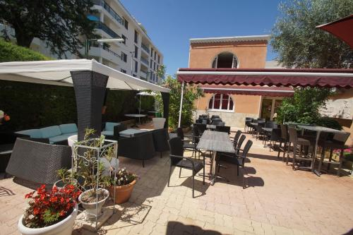 Hotel Restaurant Le Derby : Hotel near Cagnes-sur-Mer