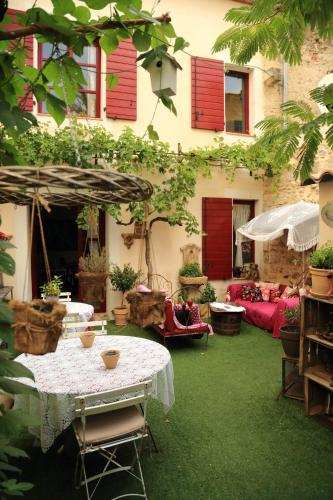 La Maison de la Viguerie : Bed and Breakfast near Aigues-Mortes