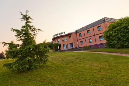 Citotel Hotel Du Circuit : Hotel near Nevers