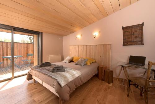 Puravida Lodge : Guest accommodation near Saint-Rambert-en-Bugey