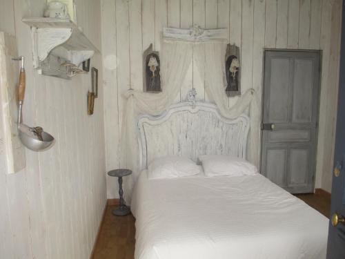 La cabane de peau d'ane : Guest accommodation near Turny