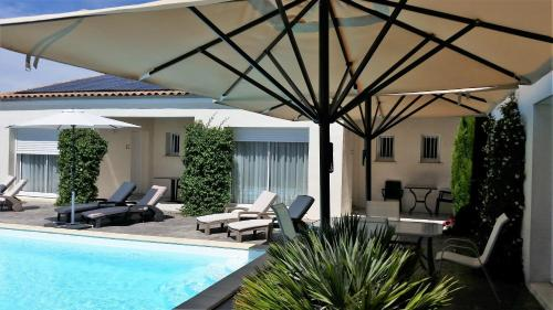 Villa Carcajou : Bed and Breakfast near Saint-André-de-Lidon