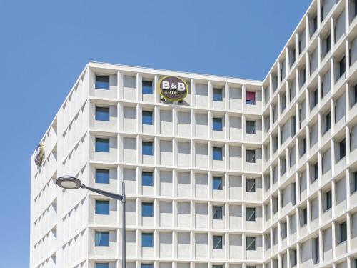B&B Hôtel Marseille Les Ports : Hotel near Marseille 16e Arrondissement