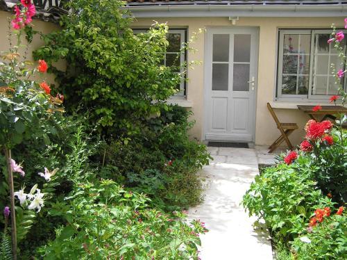 La petite Maison dans la Croix Rousse : Guest accommodation near Champagne-au-Mont-d'Or