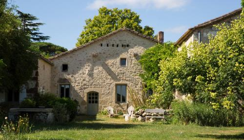 Le clos des abeilles : Guest accommodation near Flaujagues