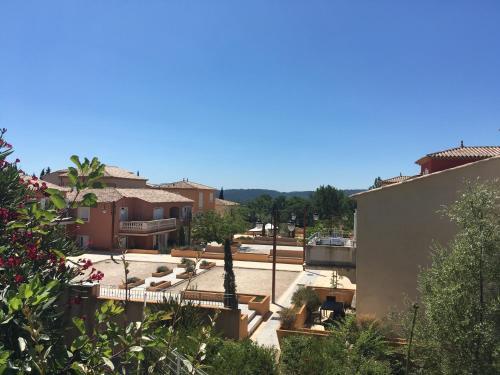 Appartement dans Residence - Le Chateau de Camiole : Apartment near Montauroux