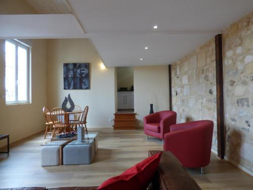 Comfortable Duplex Bordeaux : Apartment near Villenave-d'Ornon