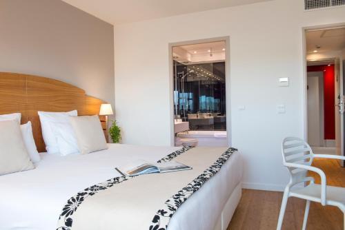 C Suites : Hotel near Caissargues