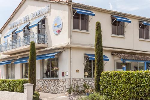 Logis Hotel des Cayrons : Hotel near Saint-Paul