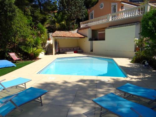 Villa Esguia : Bed and Breakfast near Le Rove