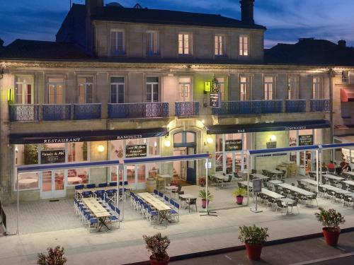 Logis Hotel de France et d'Angleterre : Hotel near Vertheuil