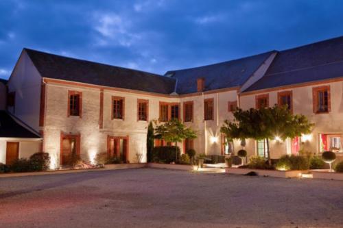 Hôtel Burgevin : Hotel near Saint-Benoît-sur-Loire