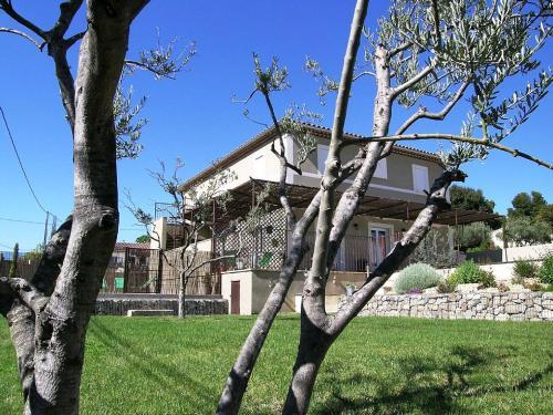 La Bastidelle : Apartment near Saint-Hippolyte-le-Graveyron