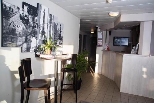 Akena Avignon-Le Pontet (Face West) : Hotel near Le Pontet
