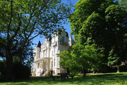 Appartement au Château Bouvet Ladubay : Apartment near Montreuil-Bellay