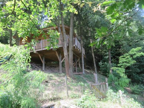 La Cabane aux Sapins : Bed and Breakfast near Moras-en-Valloire
