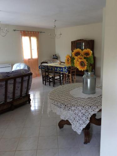Villa Cigalon : Guest accommodation near Mas-Blanc-des-Alpilles