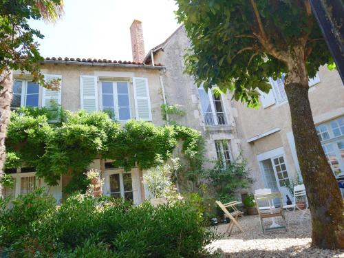 L'Arbre D'Ange : Bed and Breakfast near Chapelle-Viviers