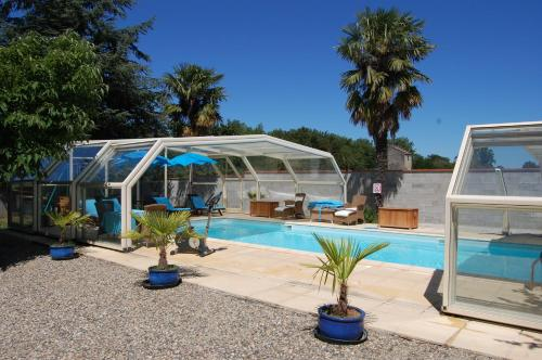 B&B Douce France : Bed and Breakfast near Bourret